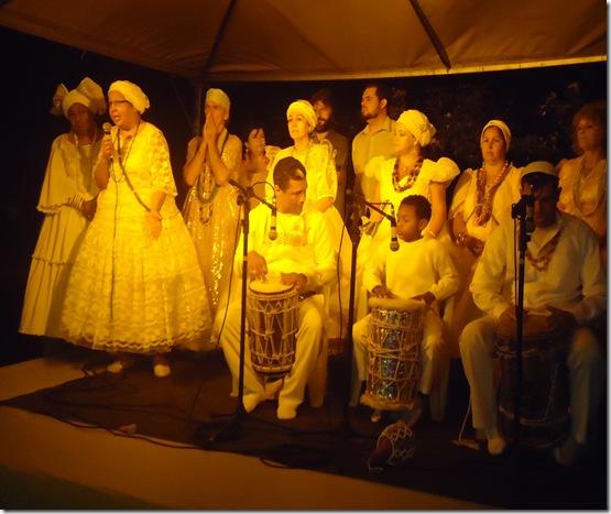 Foto do palco das altoridade presente religiosas, Públicas e artisticas (2)