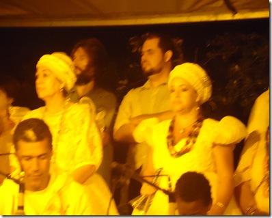 Foto do palco das altoridade presente religiosas, Públicas e artisticas (4)